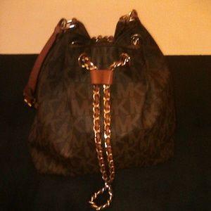 Michael Kors Large Frankie Bucket Bag